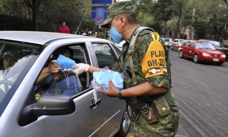 Army distribute masks during swine flu outbreak in Mexico city