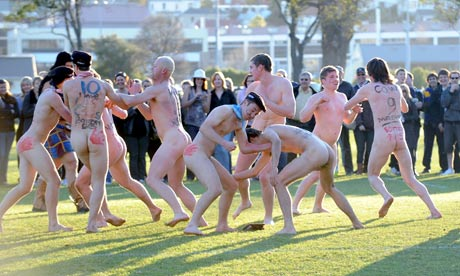 The nude rugby match in Dunedin. Photograph: Stephen Jaquiery/Otago ...