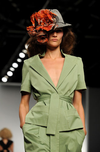Jaeger Trouser Suit :  flower hat catwalk jaeger