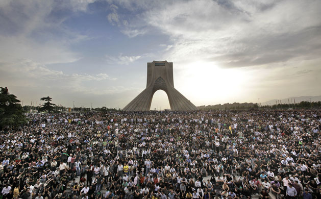 Hundreds of thousands of Mousavi supporters gathered in Freedom Square to protest.