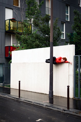 Willi Dorner's Bodies: Willi Dorner's Bodies In Urban Spaces: Paris, France