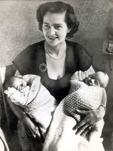 Margaret Thatcher: 1953: Margaret Thatcher aged 28 with her twins Carol And Mark