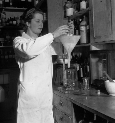 Margaret Thatcher: 1950: Margaret Roberts  at work in a laboratory as a research chemist