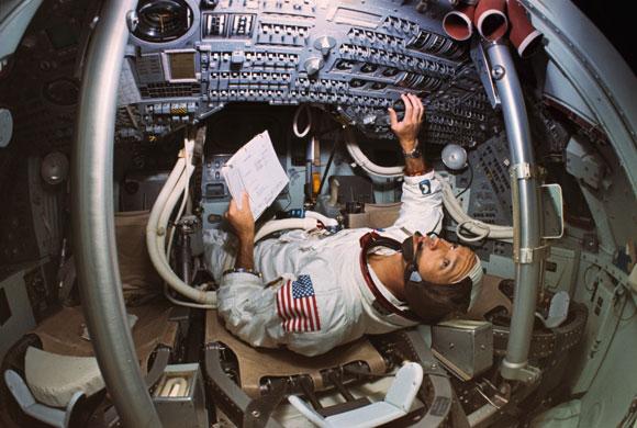 História- fotos da conquista da lua ,memoráveis!!!!!!!!!  Apollo-11-Michael-Collins-002