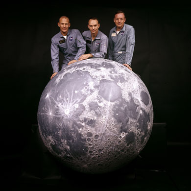 http://static.guim.co.uk/sys-images/Guardian/Pix/pictures/2009/6/24/1245863636054/Apollo-11-Apollo-11-Crew--007.jpg