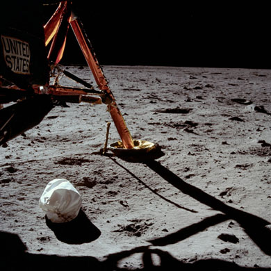 História- fotos da conquista da lua ,memoráveis!!!!!!!!!  Apollo-11-to-the-Moon-Arm-023