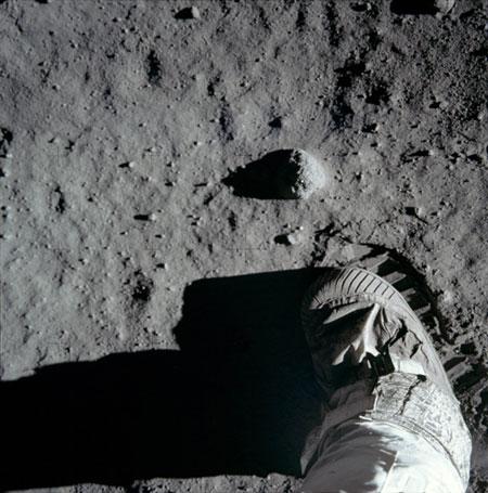 História- fotos da conquista da lua ,memoráveis!!!!!!!!!  Astronaut-Buzz-Aldrins-bo-001