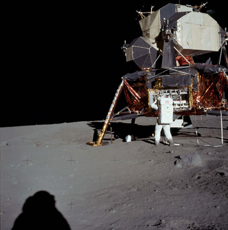 História- fotos da conquista da lua ,memoráveis!!!!!!!!!  Astronaut-Buzz--Aldrin-un-010
