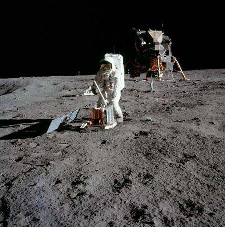História- fotos da conquista da lua ,memoráveis!!!!!!!!!  Astronaut-Buzz-Aldrin-ass-012