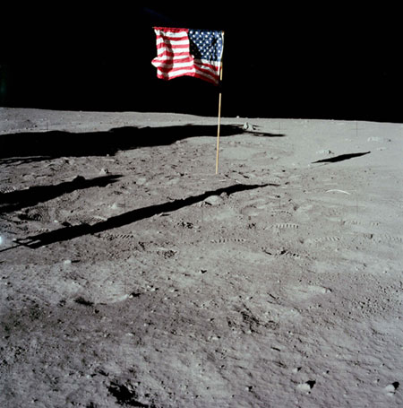 landing on moon: US flag