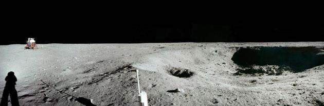 História- fotos da conquista da lua ,memoráveis!!!!!!!!!  East-Crater-Panorama-with-001
