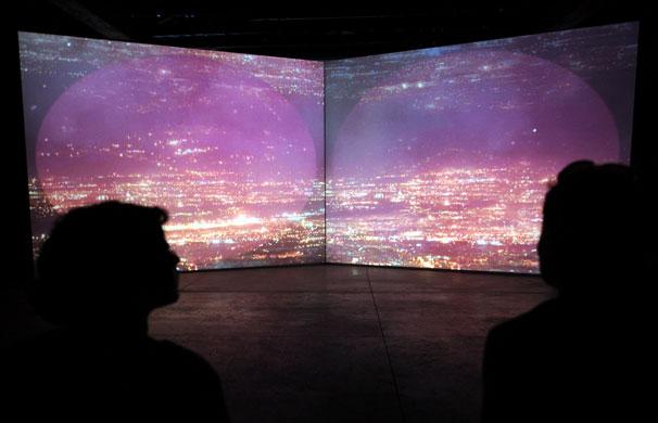 Venice Biennale Gallery 2: Italiaj artist Grazia Toderi's Orbite Rosse