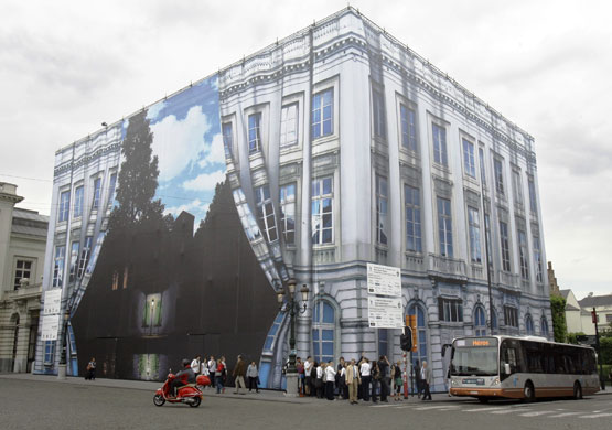 Musee Magritte Museum: Magritte Museum in Brussels covered with a giant canvas