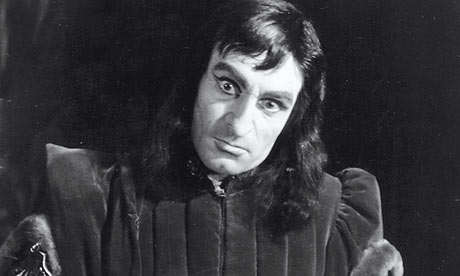 Hair today - excommunicated tomorrow Laurence-Olivier-Richard--001