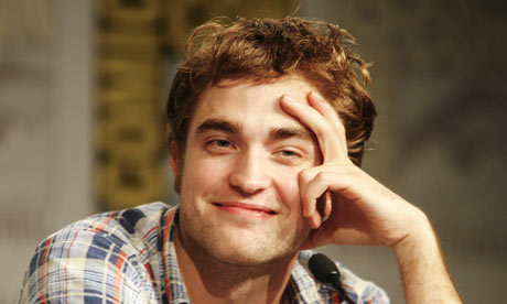 gilles simon robert pattinson. Robert Pattinson at Comic-Con