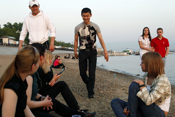Life on the two sides of the Russia-China border  World