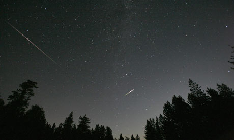 Meteors-from-the-perseid--002