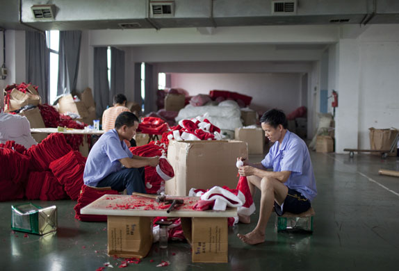Christmas production line: Production line of Christmas goods at a factory in Yiwa China
