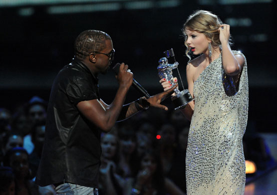 MTV Video awards 2009: Kayne West jumps onstage as Taylor Swift accepts her award
