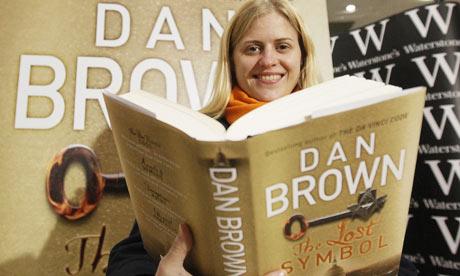 Woman reads Dan Brown's The Lost Symbol