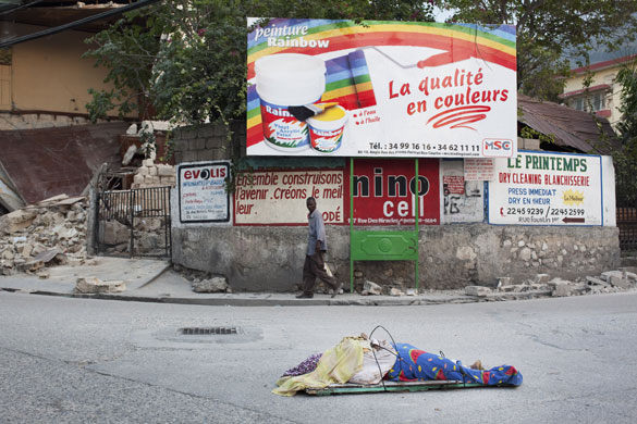 Camino oto al haiti earthquake devastation for Canape vert hospital haiti
