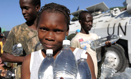 Haitians receive water