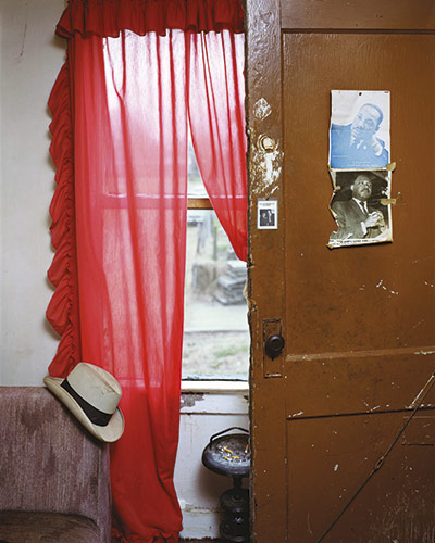Alec Soth - Jimmie's Apartment , Memphis, Tennessee, 2002