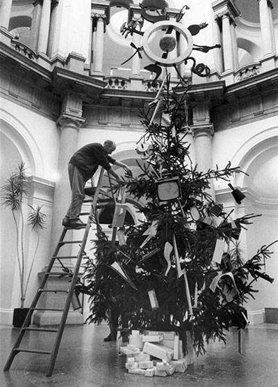 Tate christmas trees: Bill Woodrow's 1988 tate christmas tree