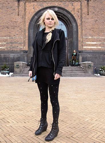 face hunter copenhagen: Kat, 27, singer