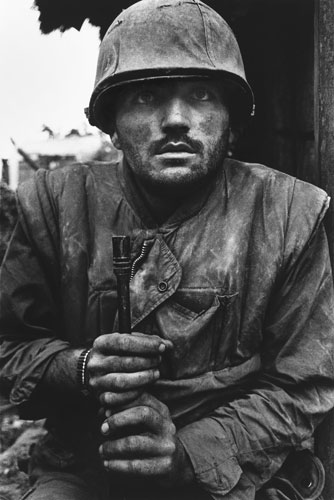 Shell Photography Exhibition : Don mccullin darkness visible that s how the light gets in