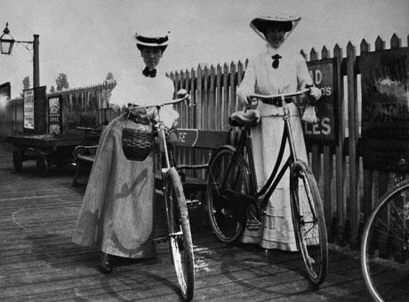 1910 ball gown edwardian street clothes edwardian fashion photgraph