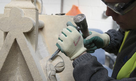 Stonemason Mark Cutler at work