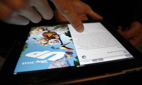 В США начали продавать планшеты iPad (Фото +  Первый «живой» видеообзор)
