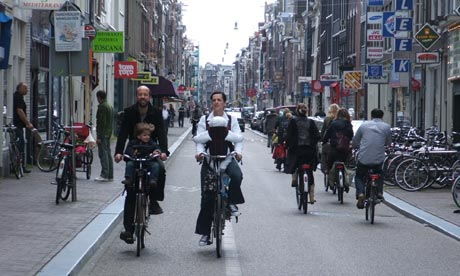 A Dutch family rides two abreast