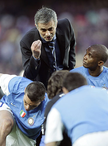http://static.guim.co.uk/sys-images/Guardian/Pix/pictures/2010/4/28/1272482382725/Inter-coach-Mourinho-talk-003.jpg