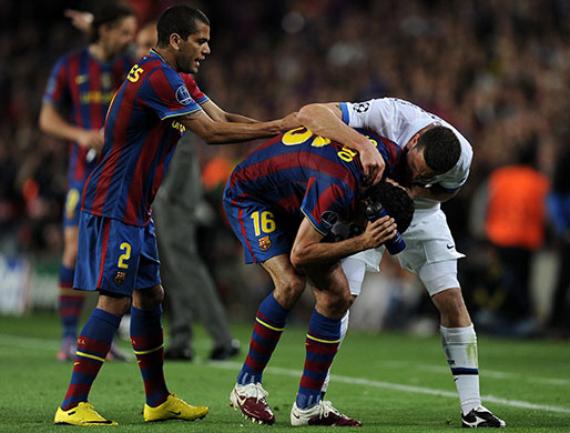 http://static.guim.co.uk/sys-images/Guardian/Pix/pictures/2010/4/28/1272486665595/Thiago-Motta-lets-Sergio--012.jpg
