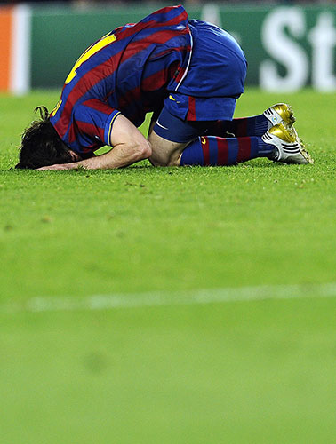 http://static.guim.co.uk/sys-images/Guardian/Pix/pictures/2010/4/28/1272491863146/Lionel-Messi-rues-another-020.jpg