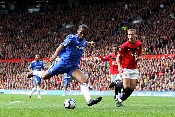 Drogba scores against Man United