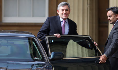 Gordon Brown arrives at Buckingham Palace on 6 April 2010 to ask the Queen to dissolve parliament