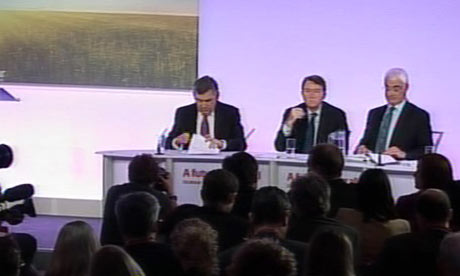 Gordon Brown, Lord Mandelson and Alistair Darling at a press conference on 8 April 2010.