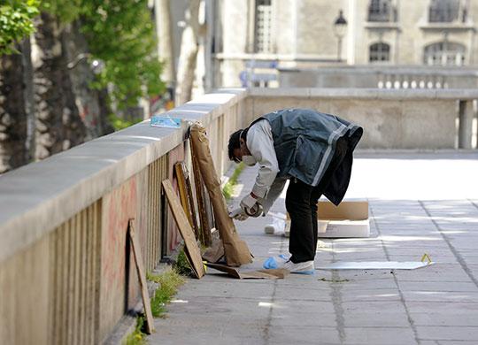 Paris Theft Paris Art Theft a Policeman