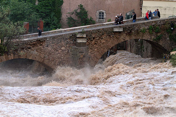 Flooding in France: People look at La Nartuby river