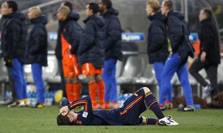 injury in football. Football: Torres injury