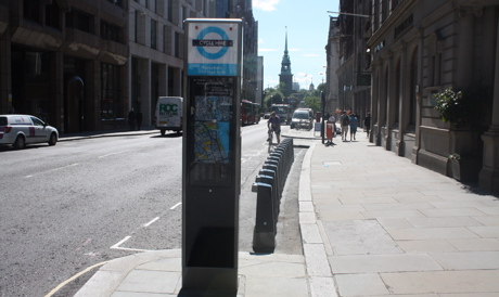 London cycle hire docking station