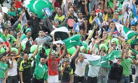 Pakistan noisy fans