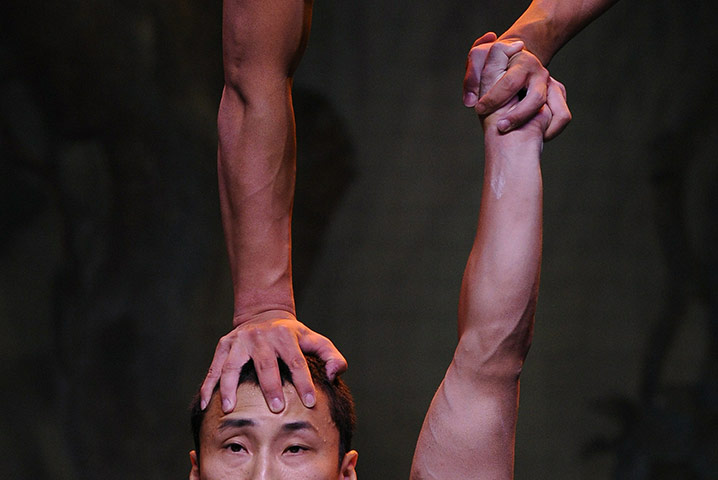 Two dancers from the Chinese acrobatic circus