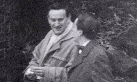Wolf Mankowitz (left)