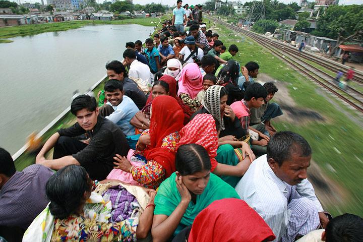 搞笑公车(10)  孟加拉也有春运 - 东南亚的雨 - 东南亚的雨