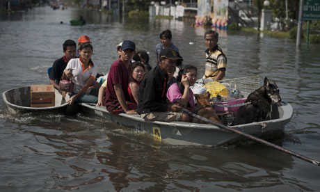Flooding in Bangkok suburb October 2011