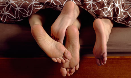 Feet of couple in bed 007 Couple Sex Bed Ovulation is the key factors in fertility and knowing the ...